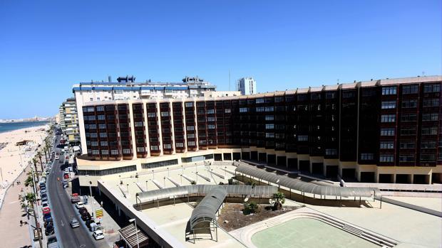 El equipo de Gobierno pide que las plusvalías resultantes de la venta de este inmueble se inviertan en Cádiz.