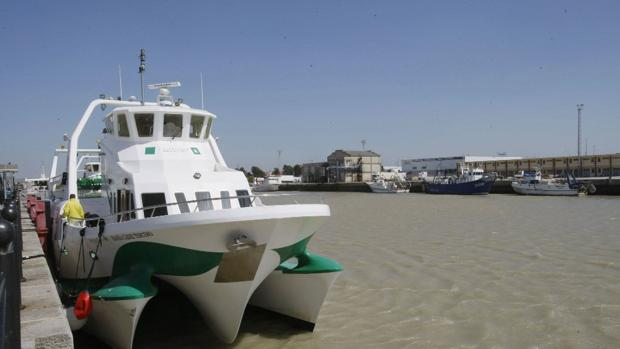 Suspendidos los catamaranes entre Cádiz y Rota por el temporal de levante