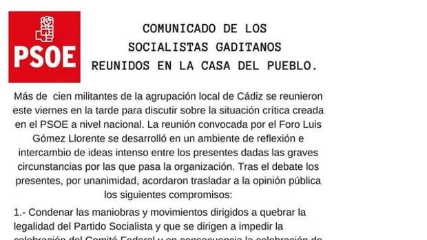 Militantes de la Agrupación local de Cádiz apoyan a Pedro Sánchez