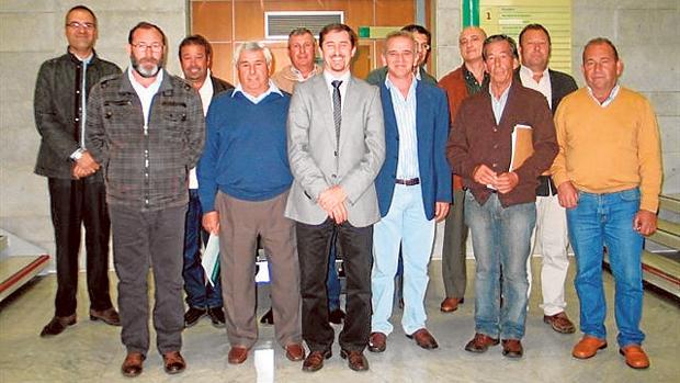 Algunos de los cooperativistas que accedieron a la propiedad de las tierras que explotan desde 1992