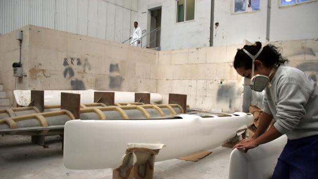 La industria y la administración dominan la oferta gaditana