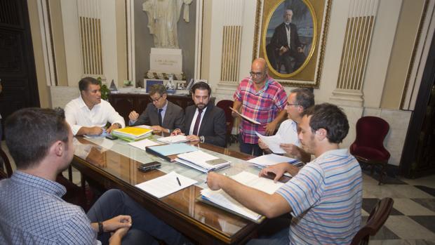 Los portavoces se reunían con el alcalde para abordar las alegaciones tras el rechazo de los Edusi.