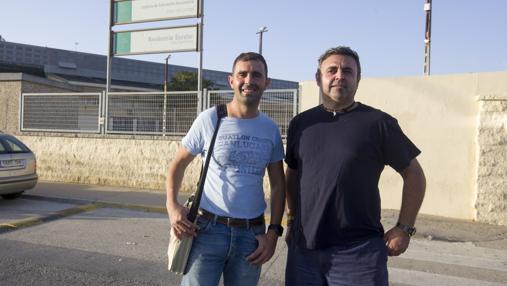 Antonio Jesús y Tomás, monitor y alumno del curso de Soldadura en Puerto Real