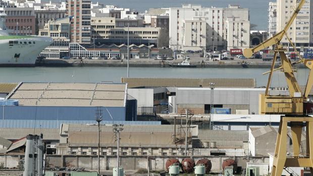 Un trabajador de los astilleros de Cádiz, hallado muerto en aguas de la Bahía