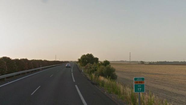 El accidente ha tenido lugar en el kilómetro 17 de la autovía A-92, en Alacalá de Guadaíra