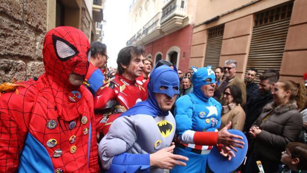 El PSOE lleva al Parlamento la candidatura del Carnaval como Patrimonio de la Humanidad