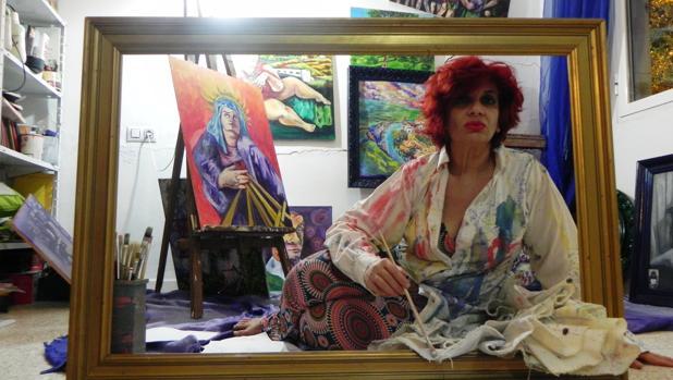 Ethel Cebrián, sobrina nieta de Juan Morales, ha pintado 20 cuadros basados en textos del escritor