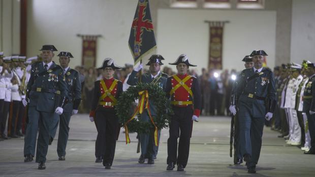 Momento del solemne acto de la Guardia Civil de Cádiz
