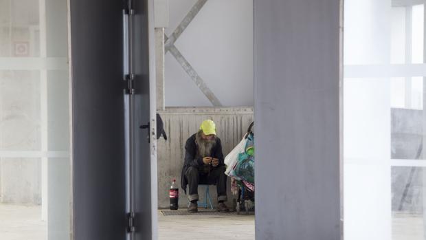 La falta de recursos y el paro de larga duración lastran a miles de gaditanos