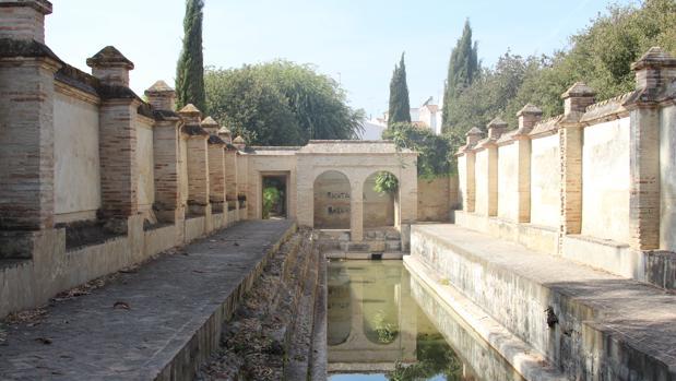 Durante el siglo XVIII un muro dividía en dos partes la zona de baño público para hombres y mujeres