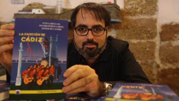 Luis García Gil: «Pedro Romero fue el primer cantautor del Carnaval de Cádiz»