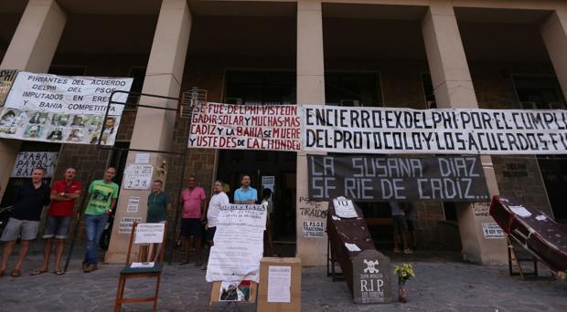 Los extrabajadores de Delphi cumplen 1.000 días de encierro en demanda de trabajo