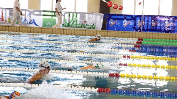 El complejo deportivo Ciudad de Cádiz ya ha contado con algunas reformas, como la adecuación del vaso de la piscina para el uso de alta competición.