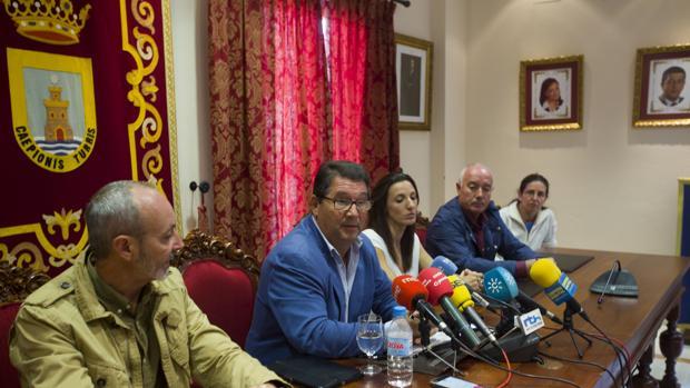 Antonio Peña durante el anuncio de su dimisión