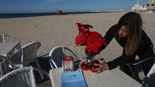 El Ayuntamiento de Cádiz 'estruja' los plazos para que los chiringuitos abran en invierno