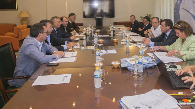 Un momento de la reunión de la Junta directiva celebrada ayer lunes