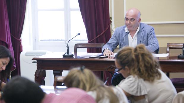 El concejal de Economía y Hacienda, David Navarro, ha pedido responsabilidades políticas.