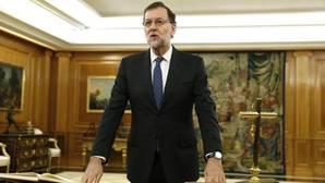 Santamaría no será portavoz, Cospedal, Defensa; Zoido, Interior