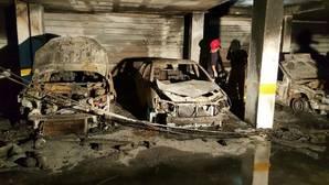 Más de 200 desalojados por un incendio en un garaje en Mairena del Aljarafe