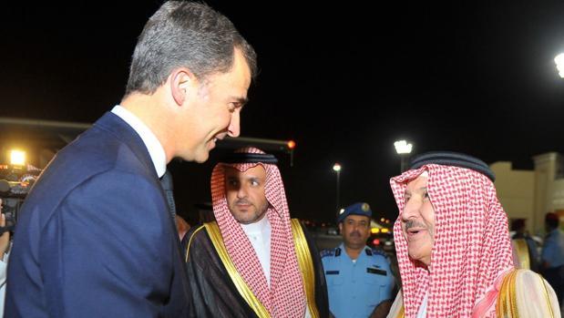 El Rey viaja a Arabia para firmar la obra de cinco corbetas en los astilleros de Cádiz