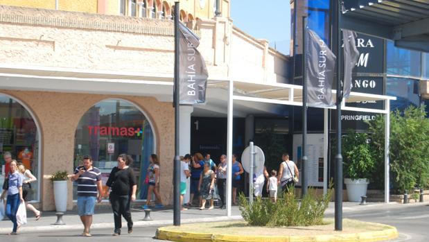 Bahía Sur, primer centro comercial de Cádiz certificado como 'Zona Cardioasegurada'