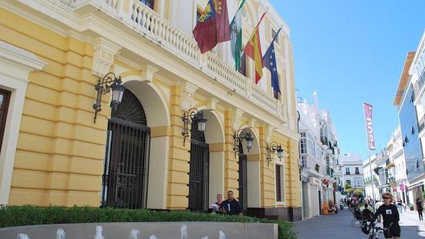 Un asesor denuncia por injurias a dos concejales de Podemos Chiclana tras despedirlo