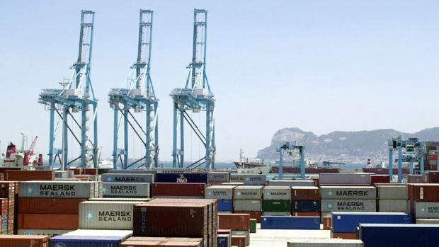 Galardonan a Algeciras por ser el segundo puerto de contenedores más productivo de Europa