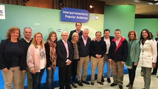 El PP destaca el «apoyo a la provincia» de los ministros Báñez, Zoido y Montoro