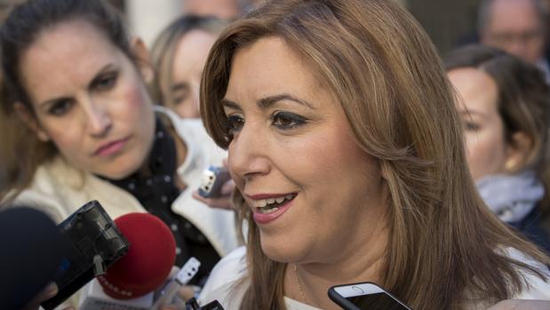 La presidenta Susana Díaz manda un ambiguo y tibio apoyo a Fran González