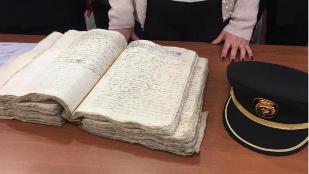 El manuscrito recuperado por la Policía