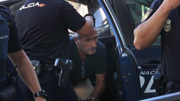 Julio Mateos el pasado 18 de agosto cuando fue trasladado a los juzgados de Coria