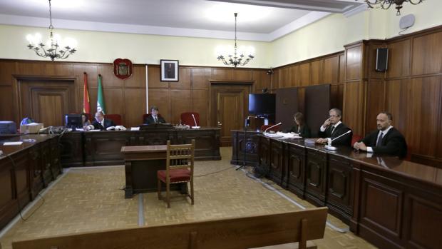 El juicio con jurado por el asesinato de una mujer en Marchena