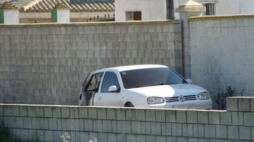 El coche donde se encontró el cadáver
