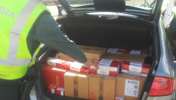 Dos detenidos en Medina por contrabando de tabaco cuando transportaban 15.000 cajetillas