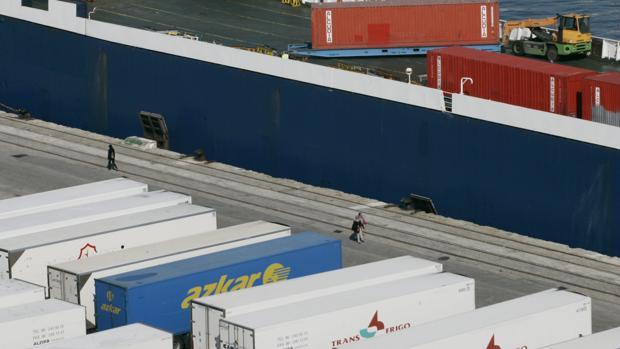 El tráfico de mercancías crece un 7,63 por ciento hasta octubre en el Puerto de la Bahía de Cádiz
