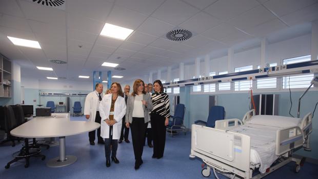 Susana Díaz visita las nuevas Urgencias del Hospital San Carlos