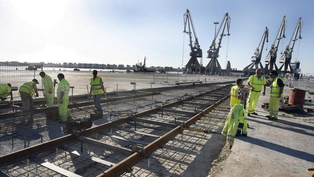 En septiembre de 2008 comenzó la obra del segundo tramo en suelo portuario. Aún restan 5,5 kilómetros de trazado