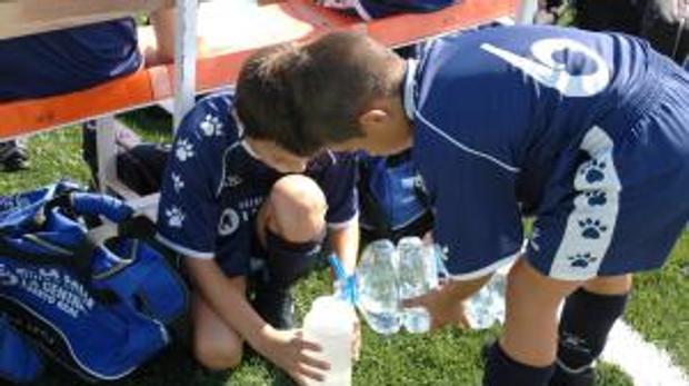 Mueve ficha y el Campus Infantil de Fútbol de la UCA, entre los nominados a los II Premios Con Los Peques 2016