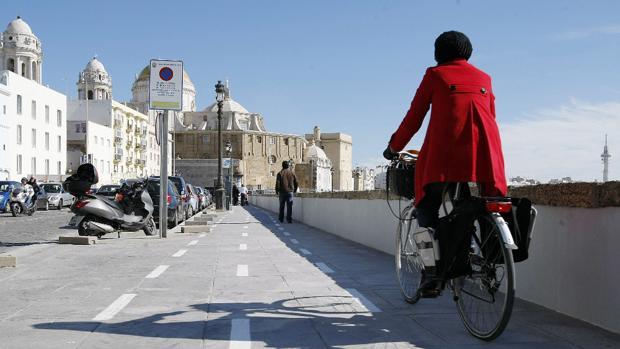 El Ayuntamiento reclama conocer el estado de la tramitación del proyecto de carril bici