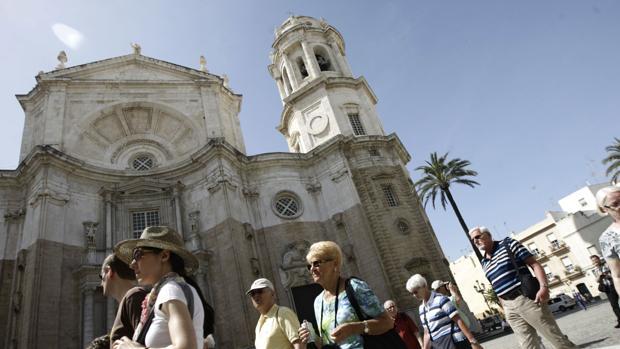 Tras varios intentos fallidos de remunicipalización de servicios públicos, ahora se propone el de información turística.