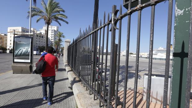El momento de decidir qué hacemos con el puerto de Cádiz