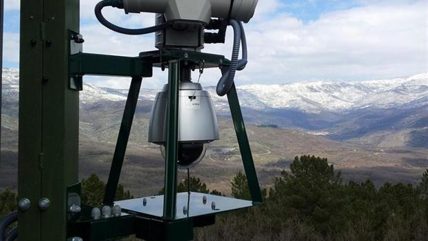 Indra instala en la Sierra del Retín el sistema Faedo de detección temprana de incendios forestales