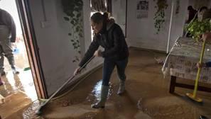 Conil abre el polideportivo municipal para desalojados por lluvias