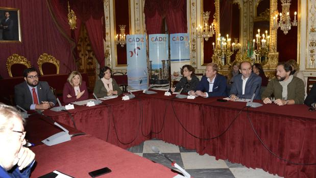 Mesa del Turismo celebrada en Diputación