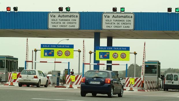 Peaje del atopista que une Sevilla y Cádiz