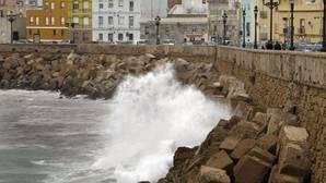 Se va el frío, pero llega el viento a Cádiz