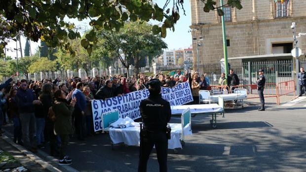 La última protesta de los trabajadores de Pascual ante el Parlamento andaluz