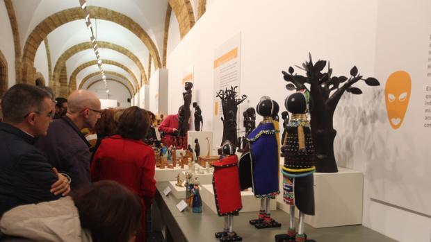 Abre la exposición 'Belenes del Mundo. Noche de Luz' en la Diputación