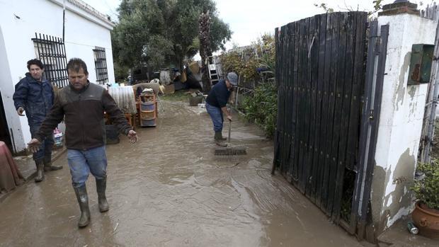 Vejer abre el punto de atención a las familias afectadas por inundaciones para tramitar las ayudas