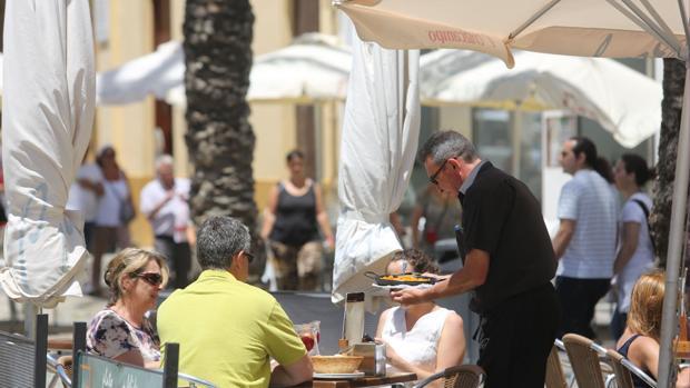 El paro subió en Cádiz en noviembre en 3.232 personas